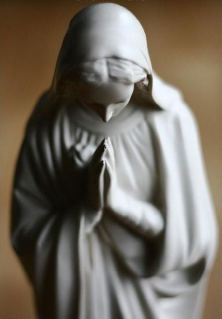 (via C Bell) Mother Mary (When you click on the image of Mary, you will hear a prayer, perhaps in Latin.) ❝ Soℓ Hoℓme ❞