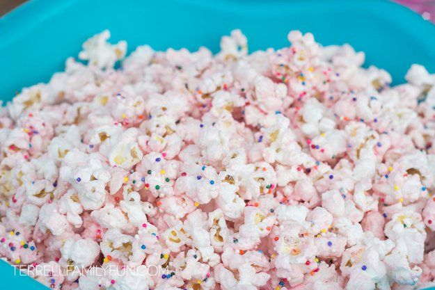 Pink Princess Sparkle Popcorn! #popcorn #parties #princess