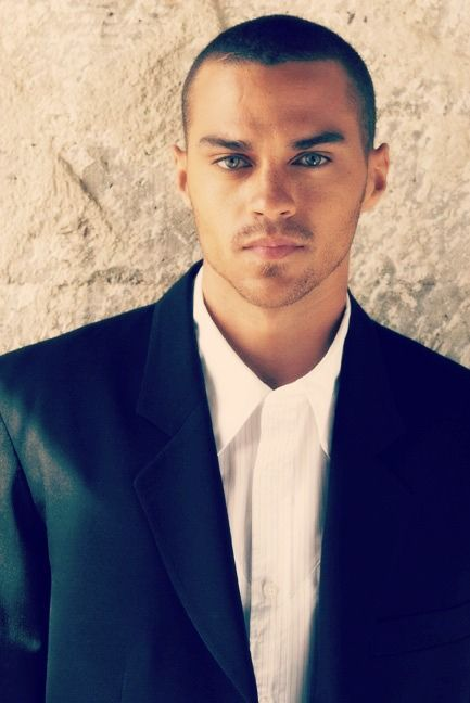 Jesse Williams. YES!! Oh, Dr. Avery! Be still my heart!