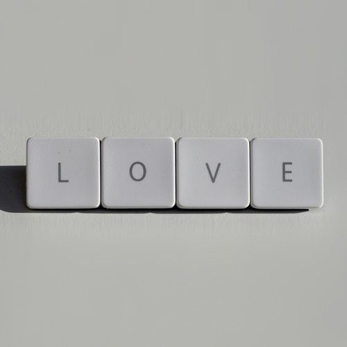 Spilla Love by vicolopagliacorta $24