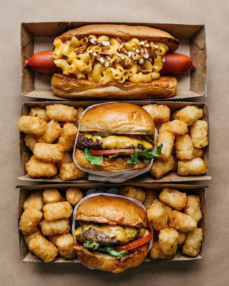 "Gefällt 3,932 Mal, 107 Kommentare - Mike (@tofubandit) auf Instagram: ""Hot dog & House Cheeseburgers. What's your guilty pleasure? @guiltysydney . #guilty…"""