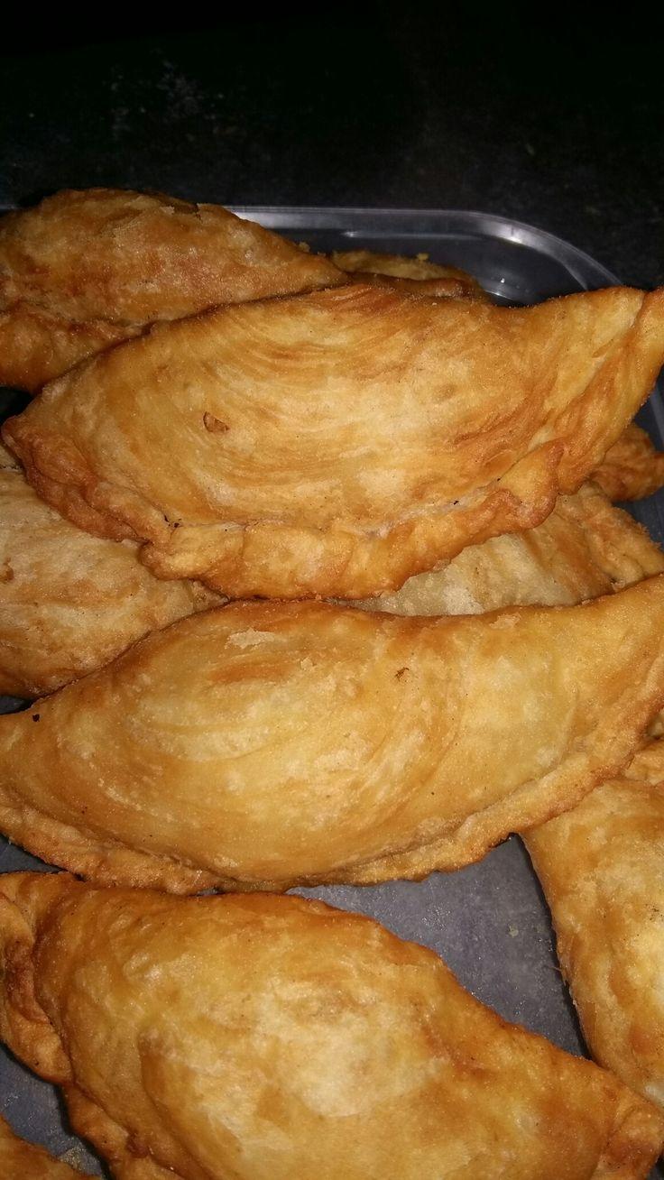 Spiraal pasteitjes met kip curry en zoete aardappel vulling