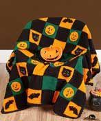 🎃 Este afegão Dia das Bruxas é assustador e bonito e vai dar apenas o toque direito a sua decoração Dia das Bruxas .  /  🎃 This Halloween Afghan is spooky and cute and will give just the right touch to your Halloween decor.