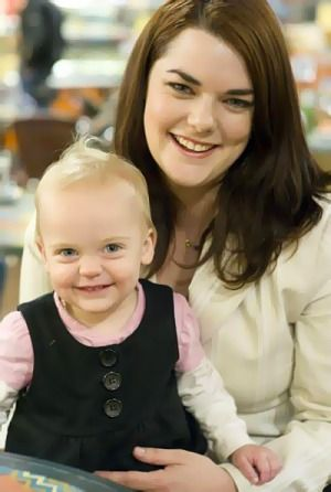 Greens Senator Sarah Hanson-Young's child ejected from Senate