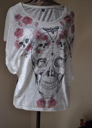 A vendre sur #vintedfrance ! http://www.vinted.fr/mode-femmes/hauts-and-t-shirts-t-shirts/19880398-top-tete-de-mort-pimkie-tricolore