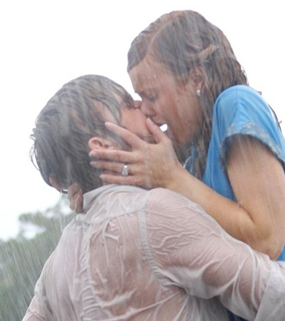 """The Notebook"": A few years of pent-up passion and rage -- a true juicy, ""wet"" kiss!"