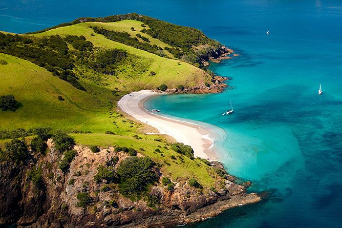 """The only way to truly appreciate what the """"Bay of Islands"""" has to offer is by hiring a sea kayak, joining a daily cruise or chartering a yacht and setting sail into this maritime adventure playground. http://www.newzealandbyroad.com/top-10-best-places-to-visit-in-new-zealand/"""
