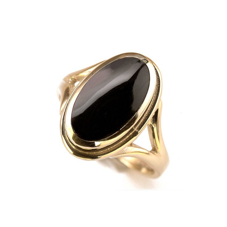 CW Sellors Plain Ribbed Whitby Jet Ring R113 | C W Sellors Fine Jewellery and Luxury Watches