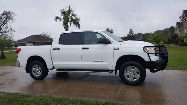 2009 Toyota Tundra Crewmax SR5 4X4 $18500: QR Code Link to This Post 2009 Toyota Tundra crew max sr5. Leather seats. 4×4. 1 owner truck.…