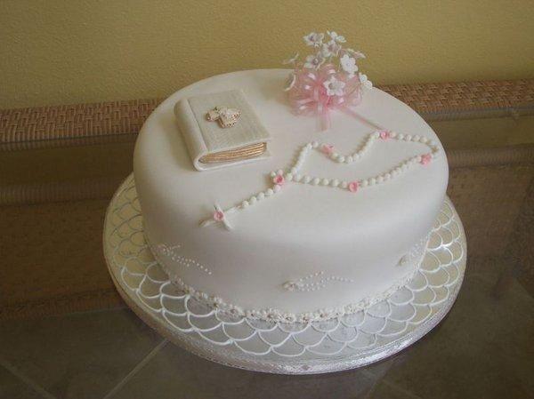 originales decoraciones de tortas de primera comunion