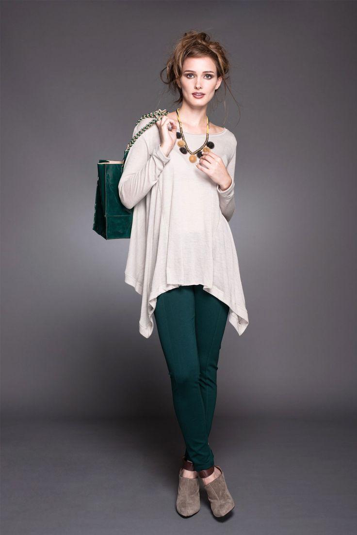 Polera asimétrica y calzas! Estilo bello y simple #lineatre #calzas #moda