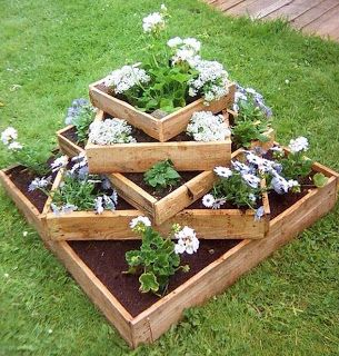 Dimensional Planter Made From Pallets