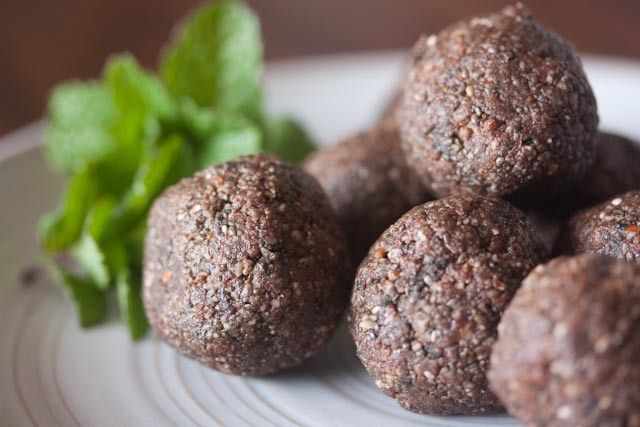 Gluten-Free & Dairy-Free Mint Chocolate Superfood Snack Balls