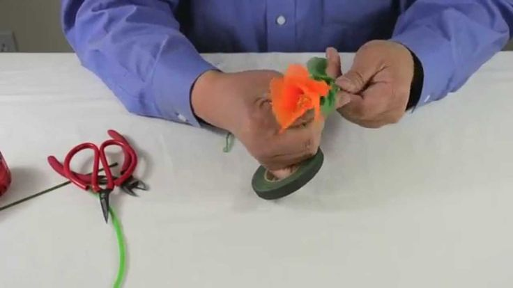 This video teaches how to make the California State Flower, California Poppy.