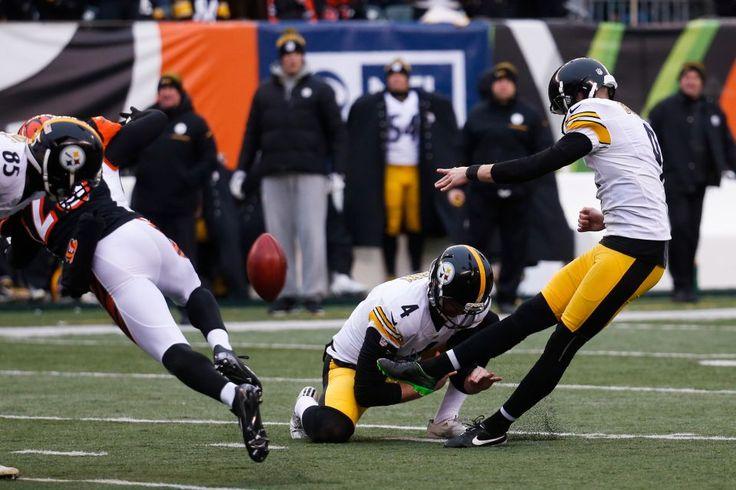 "Pittsburgh Steelers kicker Chris Boswell (9) kicks a field goal alongside punter Jordan Berry (4) against the Cincinnati Bengals, Sunday, Dec. 18, 2016, in Cincinnati. ""Wizard of Boz"" kicked 6 FG for 45,45,49,40,49 and 30 yrds."
