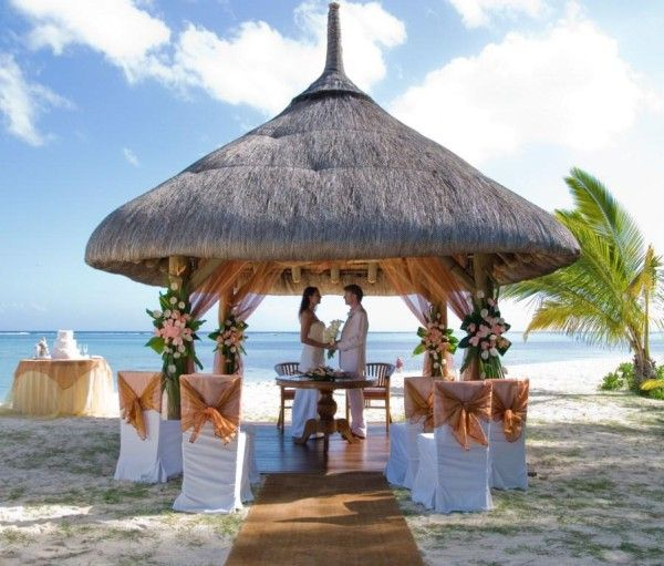 Wedding in Mauritius ~ http://VIPsAccess.com/luxury-hotels-caribbean.htmlTropical Wedding,  Thatched Roof, Beachwedding, Mauritius, Dreams Wedding, Beach Weddings, Wedding Locations, Places, Destinations Wedding
