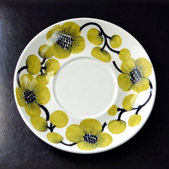 Primavera Plate. Green  Black Vine Pattern. Arabia Finland.