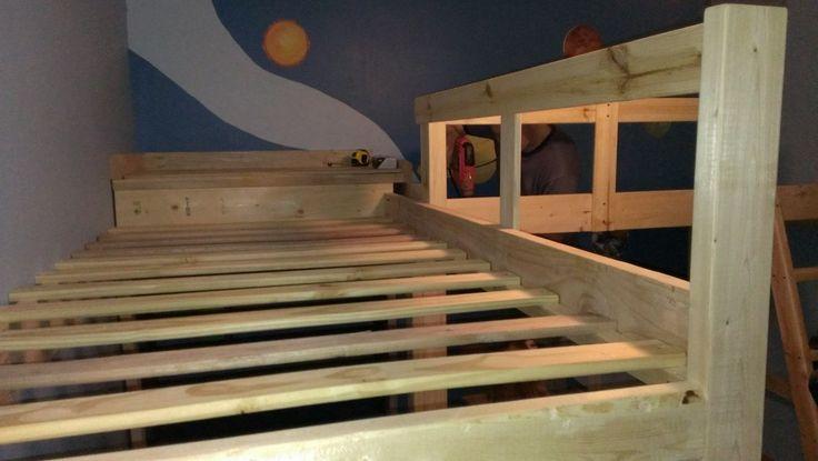 DIY L-Shaped Bunk Beds Part II   timandmeg.net