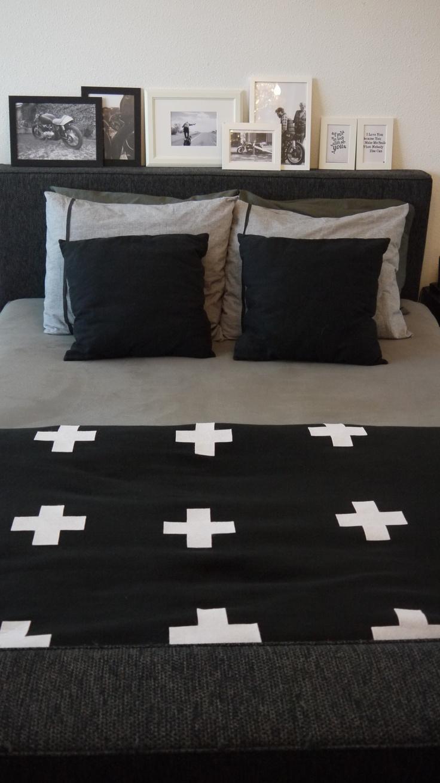 Via Miranda Luichies | DIY cross blanket