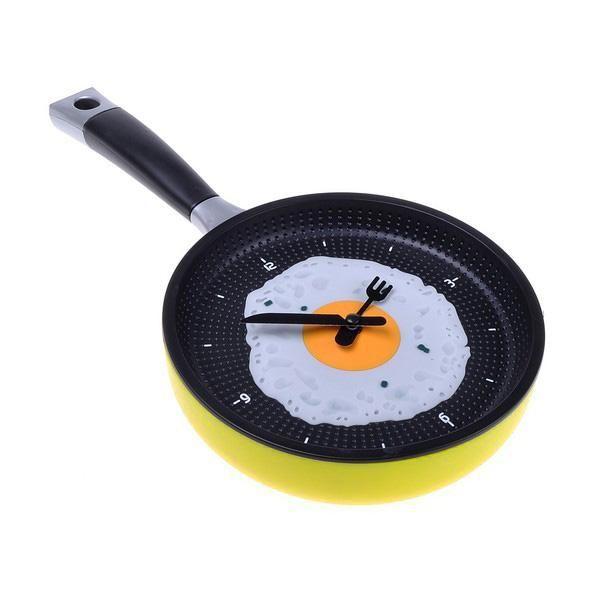 Fun Frying Pan w/ Fried Egg Hanging Kitchen Wall Clock