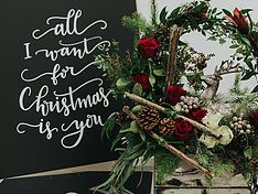 Order winter and Christmas flowers online for Calgary delivery. Contemporary and traditional centrepieces and holiday arrangements.