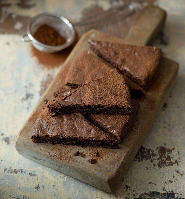 Torta di cioccolato e noci alle clementine - Cucina Naturale
