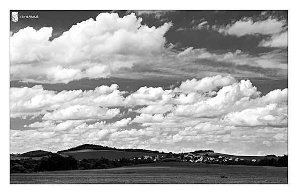 Simple vernal scenery == Fényfaragó == Like my personal photography blog: www.fenyfarago.hu == Visit our business site: www.foto-graf.hu