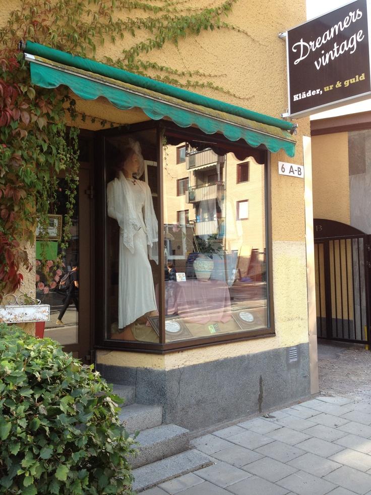 genomträngande indisk kostym nära Stockholm