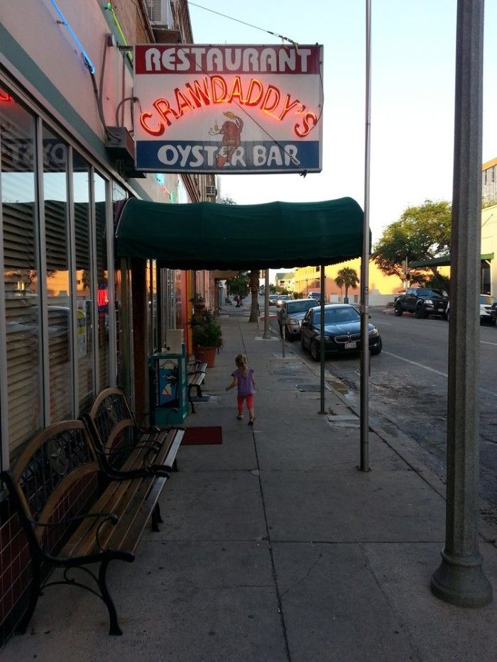 15. Crawdaddy's (Corpus Christi)  ///   These 16 Restaurants In Texas Serve The Best Seafood EVER