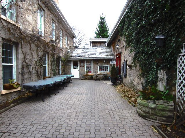 the Coach and Lantern Pub in Ancaster, Ontario. best place to hang out on Mondays, Pub Trivia nights!
