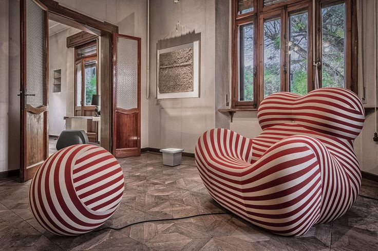 Villa Angeli, set up by IdeaCasa In with B&B Italia furnitures, for art exibitions and design conferences.  #art #architecture #garden #furniture #design #interior #garden #boffi #B&B #interiordesign #photography #villa #italy #italian #realestate #real #estate