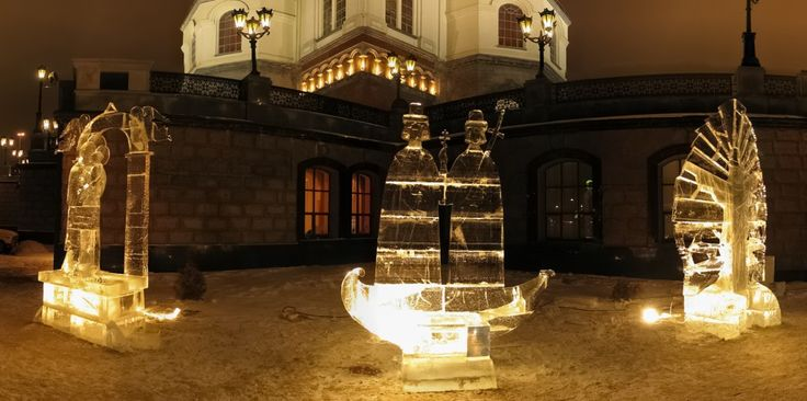 Ice sculpture exhibition in Moscow ... enjoy the festivities of going winters.