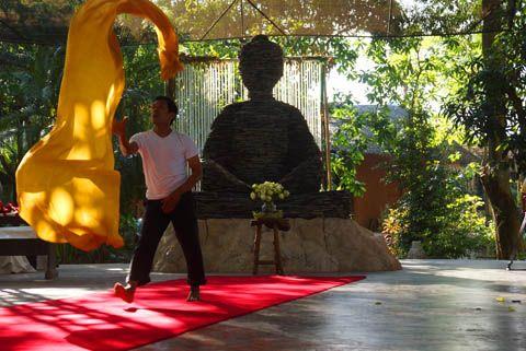 Breathing & Moving with Manop Meejamrat in Ratchaburi, Thailand | TravelJunkieIndonesia.com