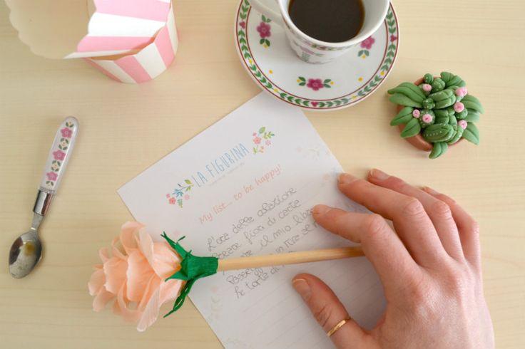 La felicità è tentare senza aspettare altro tempo.. La felicità è stampare la mia/vostra bellissima lista da compilare, riga dopo riga, giorno dopo giorno. Una lista per non dimenticare di essere felici, sempre. Una lista da piegare a metà e regalare alle persone che ami. Una lista da usare come segnalibro, una lista da tenere a portata di occhi... e di cuore. NB il template da stampare è nel blog, basta un clic! http://www.lafigurina.com/2016/01/allenare-la-mente-ad-felici-davvero/
