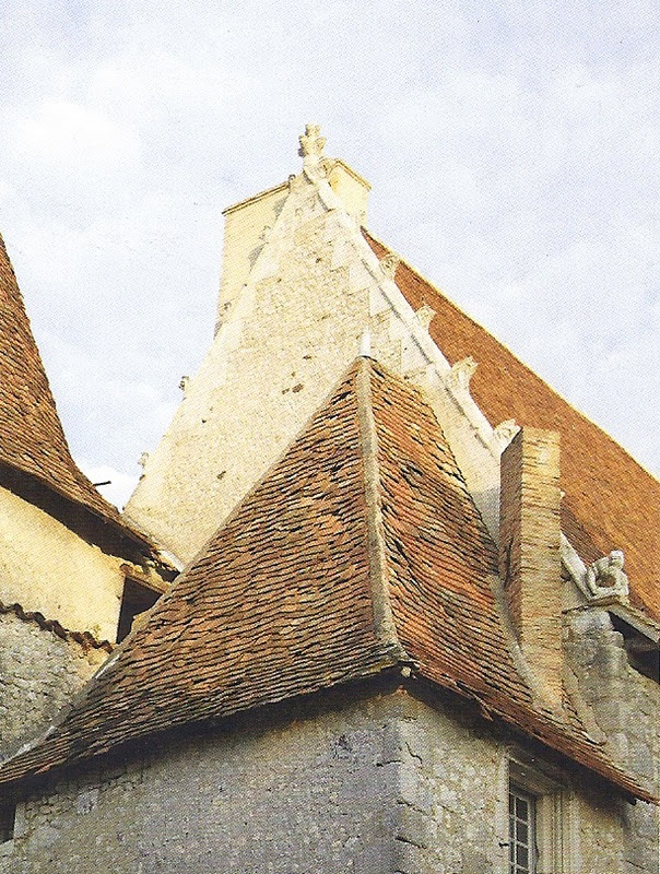 Wonderful peak stone roof french pinterest we belle for Roof peak decorations