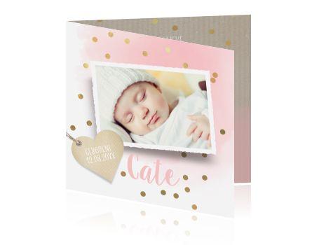 Hip geboortekaartje voor een dochter met eigen foto, lieve roze tinten en vrolijke gouden confetti. Lief geboortekaartje van Luckz.