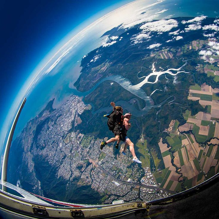 A skydive allows you to see the world from a new perspective, and with six drop zones there's a whole lot to see at Skydive Australia. #SkydiveAustralia #skydive #bucketlist #fun #MissionBeach #ByronBay #Cairns #Sydney #Brisbane