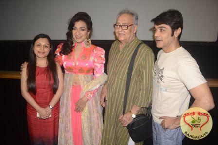 Interview: Prosenjit Chatterjee-Rituparna Sengupta on their Upcoming Bengali Film Praktan and their On-Screen Chemistry  Read more: http://sholoanabangaliana.in/blog/2016/05/25/interview-prosenjit-chatterjee-rituparna-sengupta-on-their-upcoming-bengali-film-praktan-and-their-on-screen-chemistry/#ixzz49glJAuKi