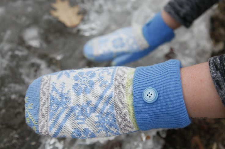 Upcycled virgin wool mittens with new polar fleece lining are one of a kind. These blue and white mittens are great for those cold winter days.