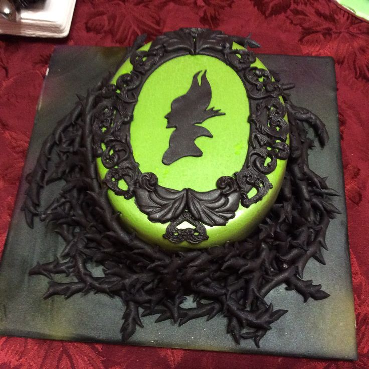 Maleficant cake