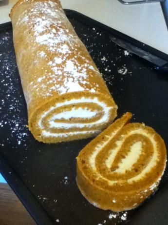 Mom's Simple Pumpkin Roll. I can hardly wait to try this. I love pumpkin rolls!