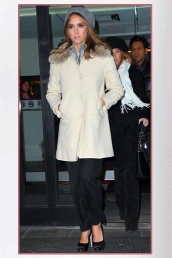 Jessica Alba Nude In Fur Coat 111