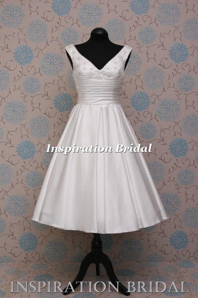 Designer 50er Jahre 60er Jahre 1950 1960 kurze Knie Tee Länge Brautkleid V-Ausschnitt 1577 von in …   – Dresses