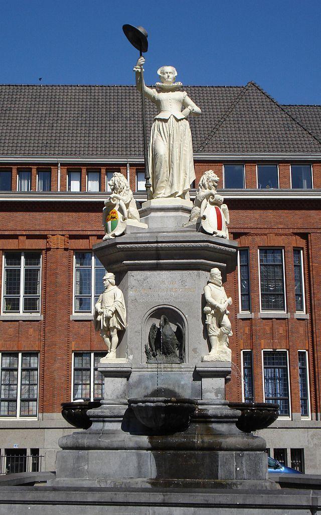 """De Maagd van Holland, """"Kaat Mossel"""", Rotterdam, Zuid-Holland."""