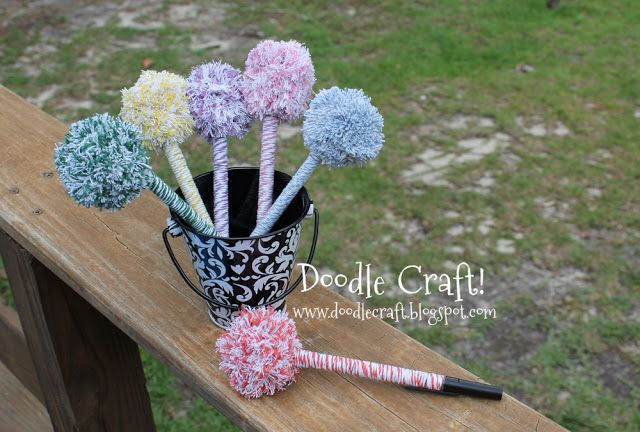 Fancy Pom Pom Pens tutorial...it couldn't be any easier, and I am a freak for unique looking pens...it's an obsession of mine, I swear!
