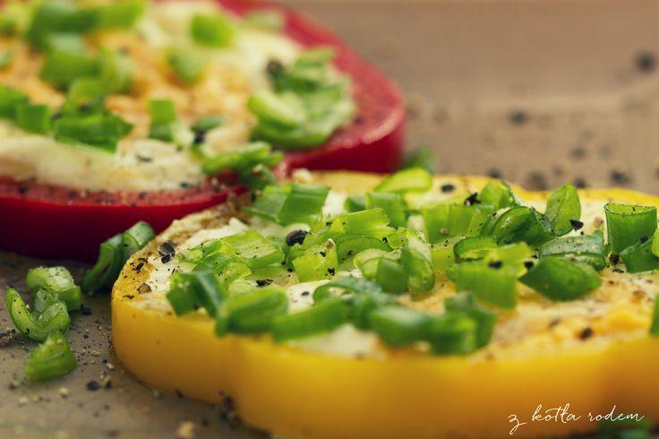 Hmm... a może jajka sadzone w papryce? :-) #jajkosadzone #sniadanie #papryka