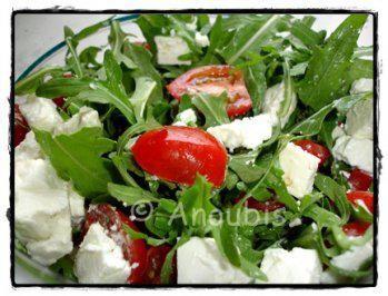 Salat - Rucola mit Feta und Tomaten - Rezept