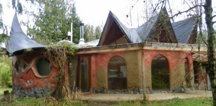 Le yogourt, une magnifique maison en torchis dans le Homestead!