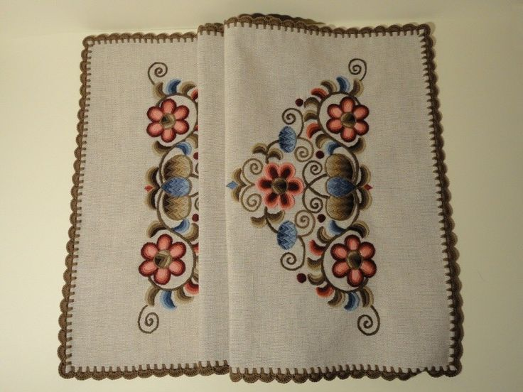 Handmade embroidered kress linen tablecloth, with rosy pattern, 40 x 90 cm, crocheted edge