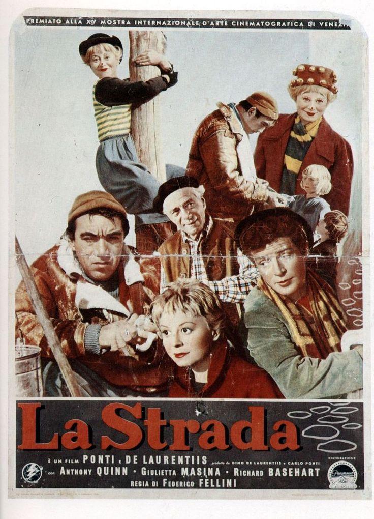 """Palazzo delle Esposizioni domani 5 febbraio, propone la proiezione free entry de """"La strada"""" di Fellini."""